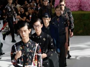 Leve e luminoso: começa a era Kim Jones na Dior Homme