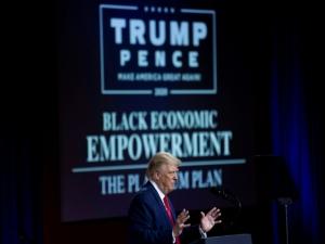 Em campanha, Trump ironiza Biden por não realizar comícios