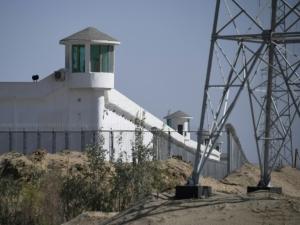 Investigação aponta 380 centros de detenção em Xinjiang