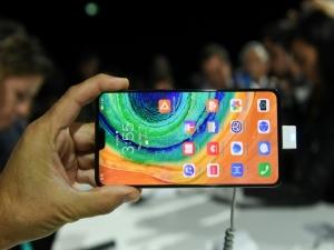 Huawei lança seu primeiro smartphone sem apps do Google
