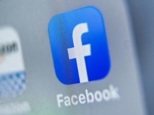 Dados de funcionários do Facebook são roubados