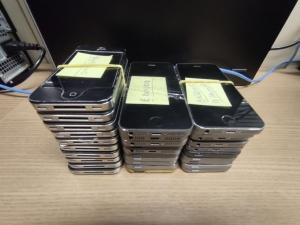 Leilão de eletrônicos oferece iPhones e notebooks