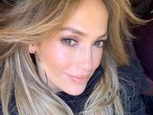 Seguidora acusa JLo de usar botox e cantora rebate