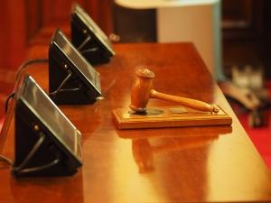Tribunal proíbe penhora de carro de idoso cardíaco