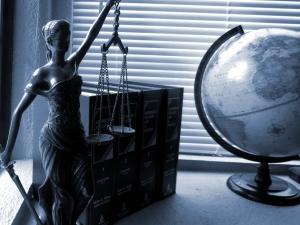 Bacharéis e alunos de Direito se preparam para OAB