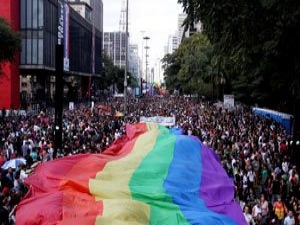 Campanha contra Aids acontece na semana da Parada LGBT