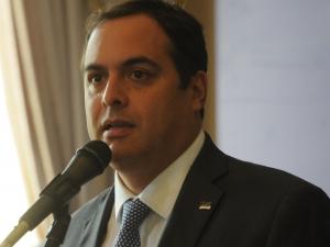 Paulo Câmara anuncia seleção de novos servidores