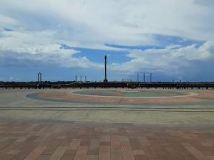 Com ruas vazias, cartões postais do Recife estão limpos