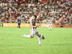 Maylson celebra recuperação de lesão com gol pelo Náutico