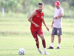 Náutico surpreende em possível renovação de Gabriel Araújo