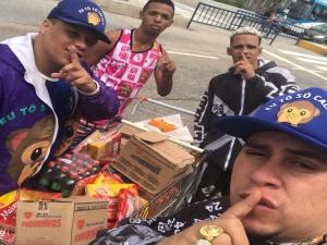 Shevchenko leva doações a desabrigados da chuva no Recife