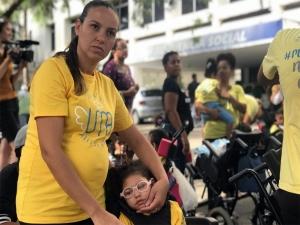 Protesto: crianças com microcefalia estão sem benefício