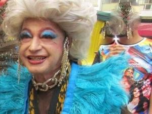 Morre a drag queen Miss Biá, vítima de coronavírus
