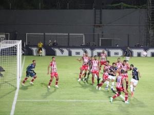 Com público no Baenão, Remo vence o Náutico com gol no fim