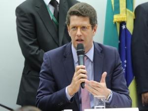 Salles: saneamento é a maior questão ambiental do Brasil