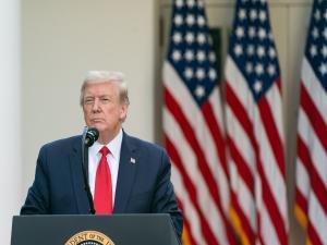 Trump: vamos acabar hoje nossa relação com OMS