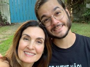 Túlio homenageia Fátima Bernardes pelo Dia do Jornalista