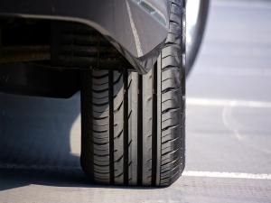 Pirelli apresenta pneus inteligentes com rede 5G