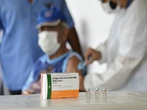Vacinados contra a Covid no Brasil chegam a 24,9 milhões