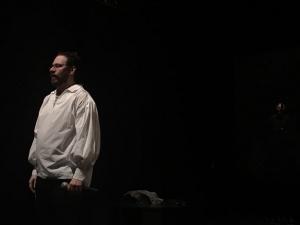 Espetáculo 'ressuscita' Renato Russo ao ar livre no Recife