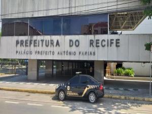 PF realiza operação na sede da Prefeitura do Recife