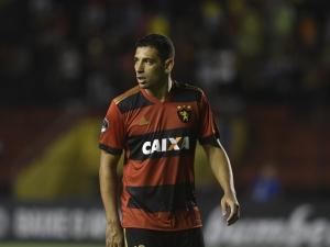 Justiça ainda não notificou Sport para pagar Diego Souza
